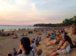 Crowds Gather at Mindil Beach © 2014 Kate Vista